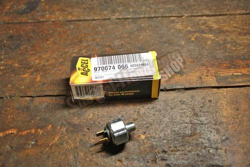 Bake Light Switch, hydraulic,  FL 71-84 / FX 72-84 / FXR 82-94 / Softail© 84-17 / ....