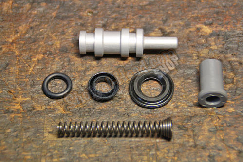 "9/16"" H/B Master Clinder Rebuild Kit, Single Disc Models, BT 96up"