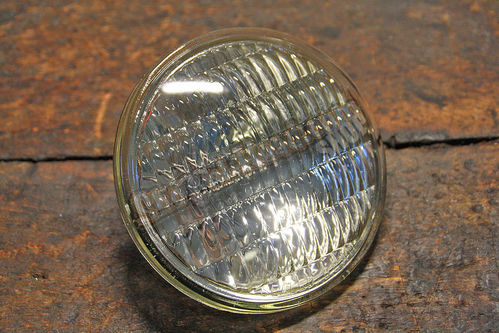Sealed Beam Spotlight Einsatz, 12V / 30 Watt, gerillt