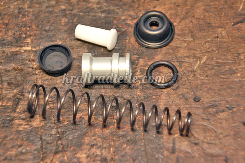 "Rebuild Kit front Master Cylinder, 5/8"", Single Disc Models 84-95"