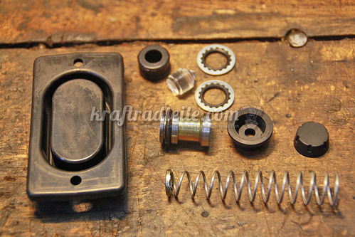 "Master Rebuild Kit front Master Cylinder, 5/8"", Single Disc Models 84-95"