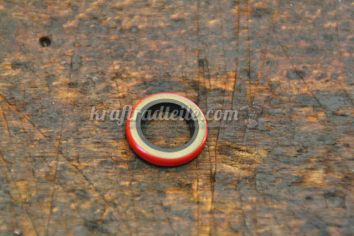 Oil Seal Shifter Shaft Rotary Top Transmisson, 4-Speed BT late79-86